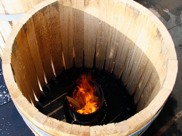 french-oak-barrel-burgundy-toasting